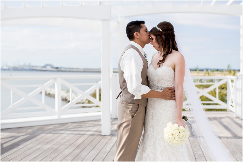allison mario chesapeake bay beach club wedding living radiant photography_0086.jpg