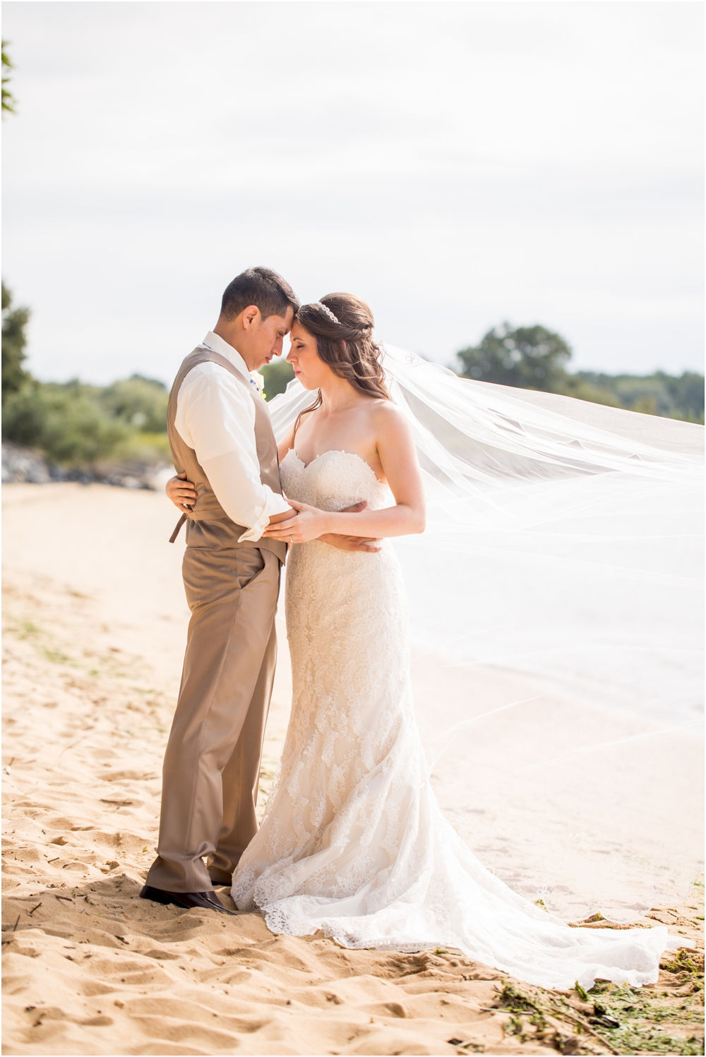 allison mario chesapeake bay beach club wedding living radiant photography_0087.jpg