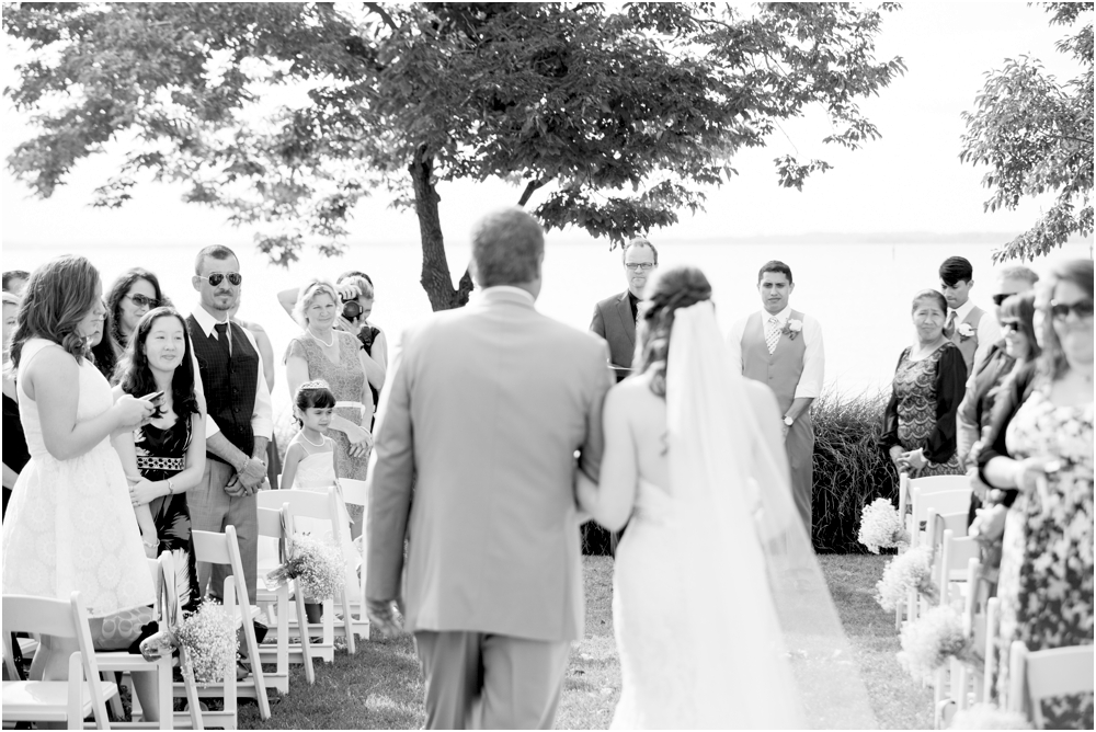 allison mario chesapeake bay beach club wedding living radiant photography_0112.jpg