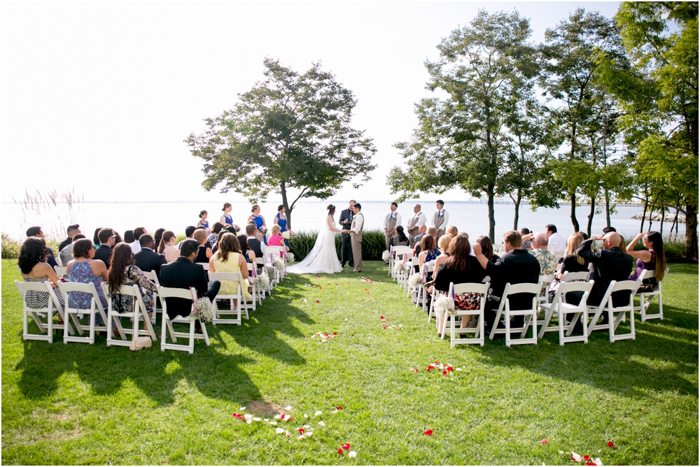 allison mario chesapeake bay beach club wedding living radiant photography_0117.jpg
