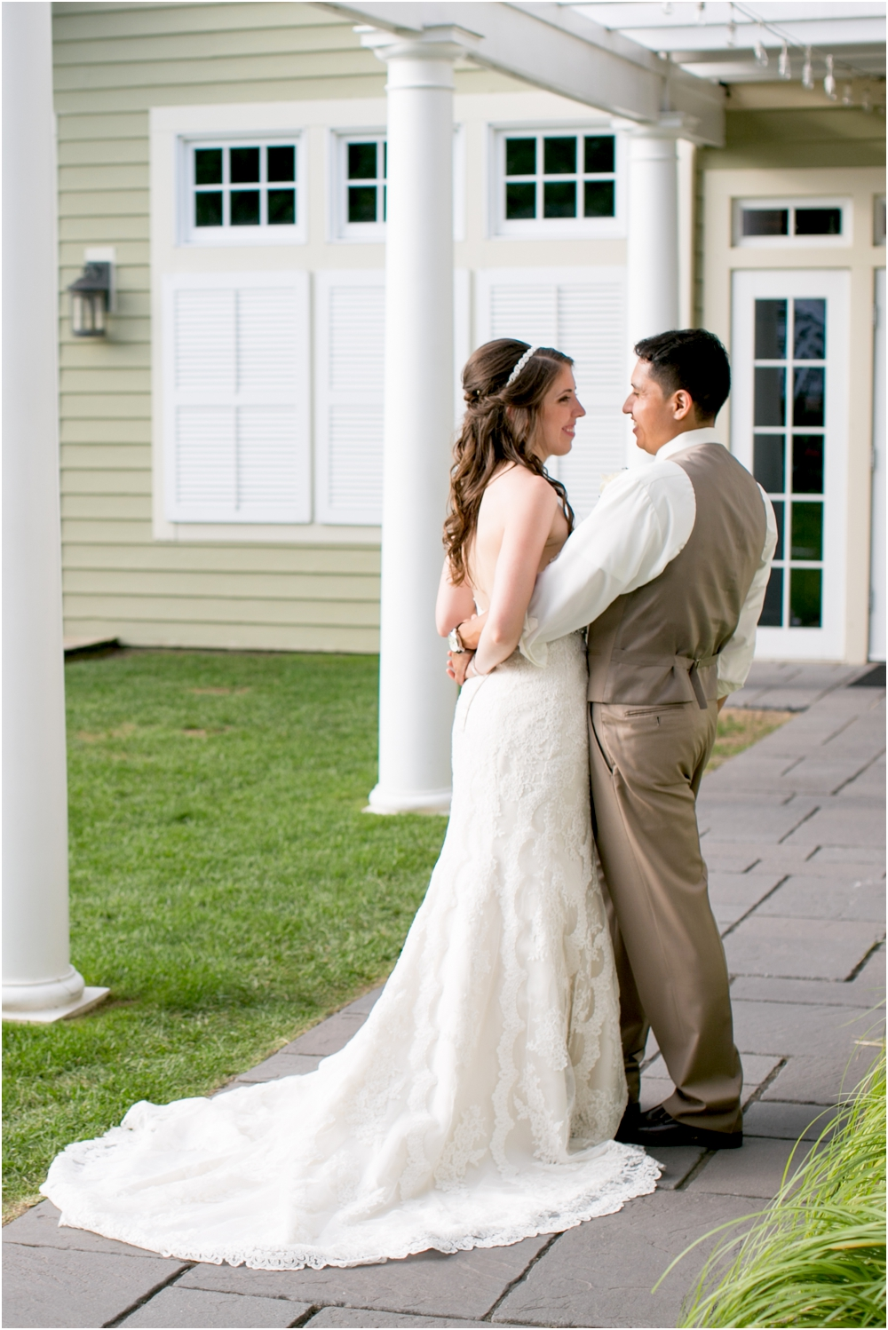 allison mario chesapeake bay beach club wedding living radiant photography_0152.jpg