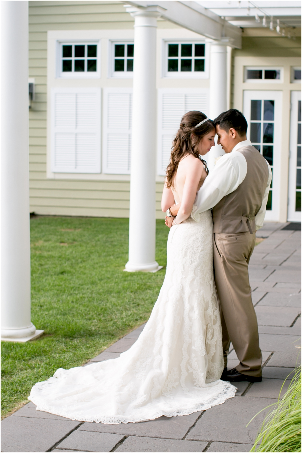 allison mario chesapeake bay beach club wedding living radiant photography_0153.jpg