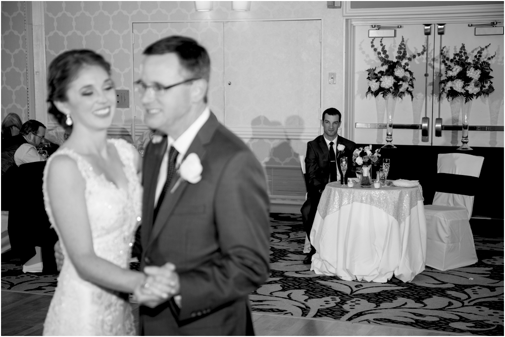 tim steph senkewicz hunt valley inn wedding living radiant photography photos_0113.jpg
