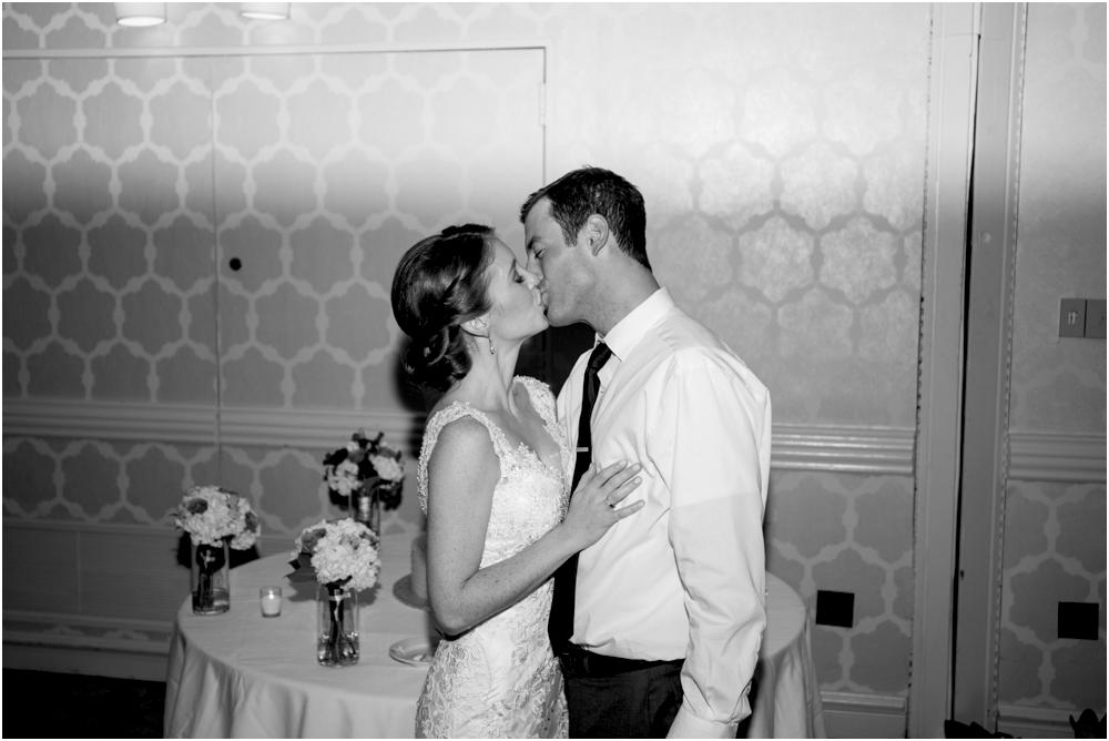 tim steph senkewicz hunt valley inn wedding living radiant photography photos_0122.jpg