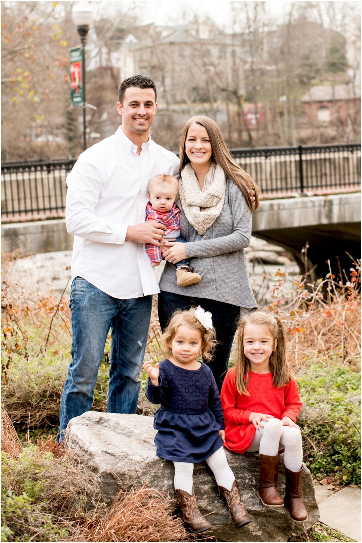 casey jordan tyler ellicott city holiday family session living radiant photography_0001.jpg
