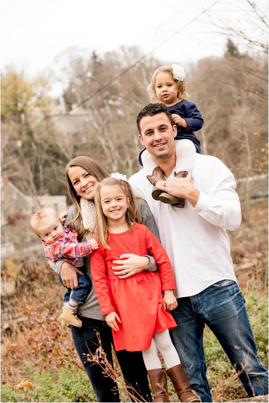 casey jordan tyler ellicott city holiday family session living radiant photography_0004.jpg