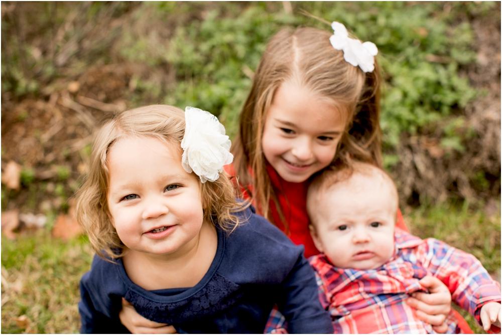 casey jordan tyler ellicott city holiday family session living radiant photography_0007.jpg