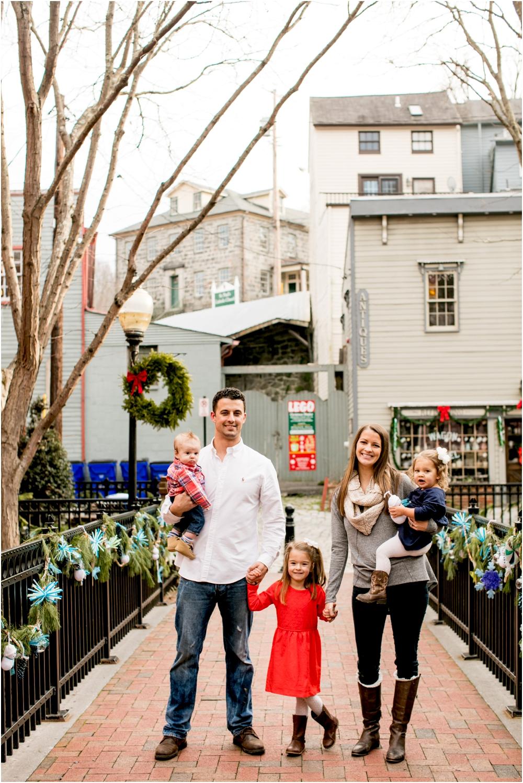 casey jordan tyler ellicott city holiday family session living radiant photography_0013.jpg