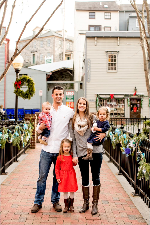 casey jordan tyler ellicott city holiday family session living radiant photography_0017.jpg