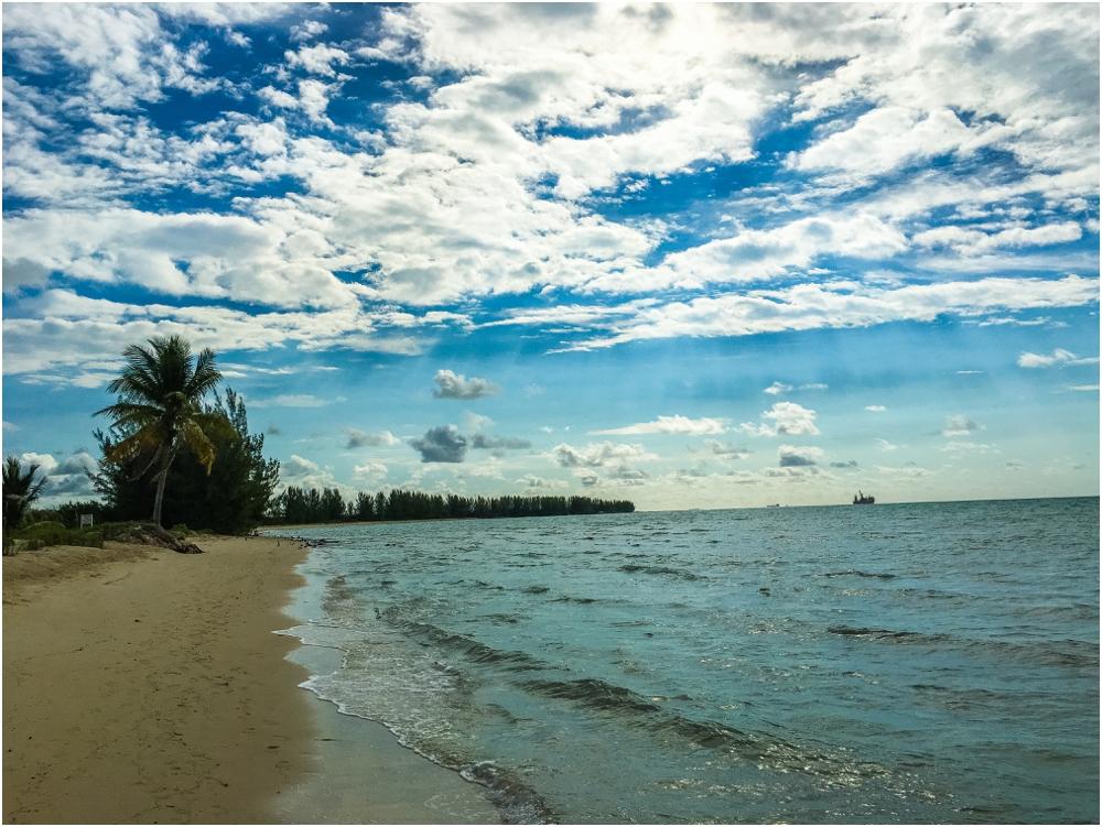 patrick-maggie-nolan-living-radiant-photography-travels-bahamastrip2016_0023.jpg