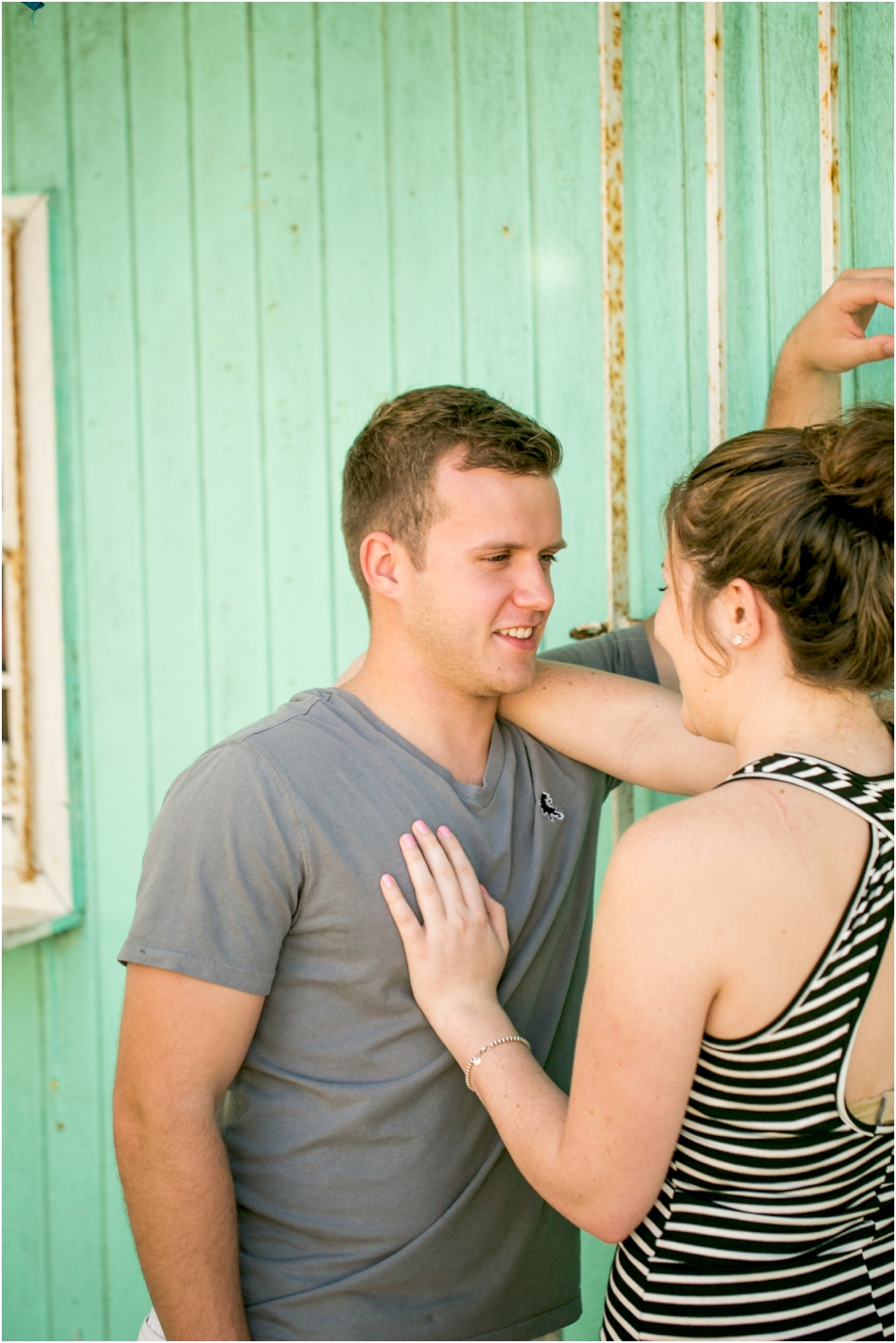 alyssa josh bahama engagement session beach living radiant photography_0002.jpg