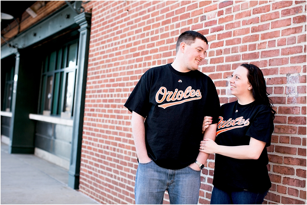 nicole john baltimore camden yards engagement session living radiant photography photos_0009.jpg