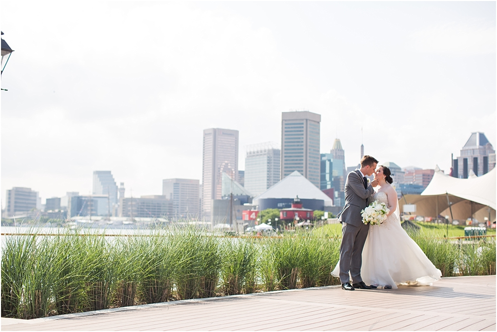 baltimore marriott waterfront wedding living radiant photograpy victoria clausen florals fiscus photos_0047.jpg