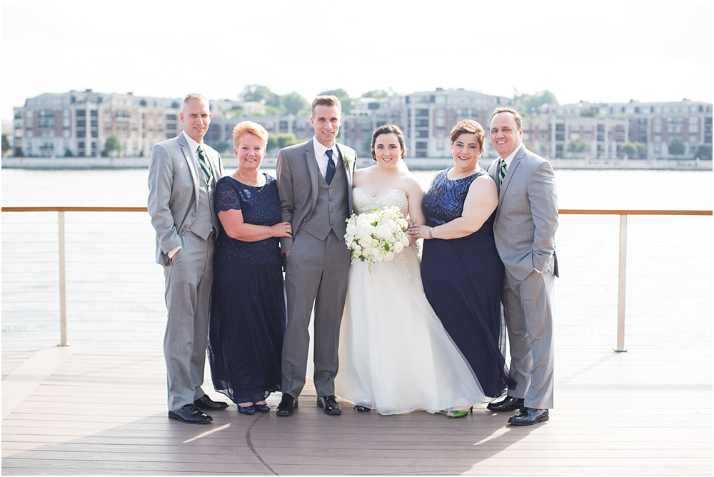 baltimore marriott waterfront wedding living radiant photograpy victoria clausen florals fiscus photos_0063.jpg