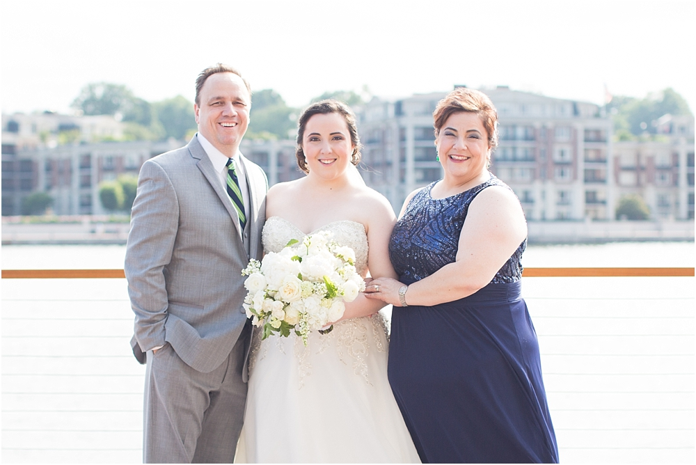 baltimore marriott waterfront wedding living radiant photograpy victoria clausen florals fiscus photos_0065.jpg