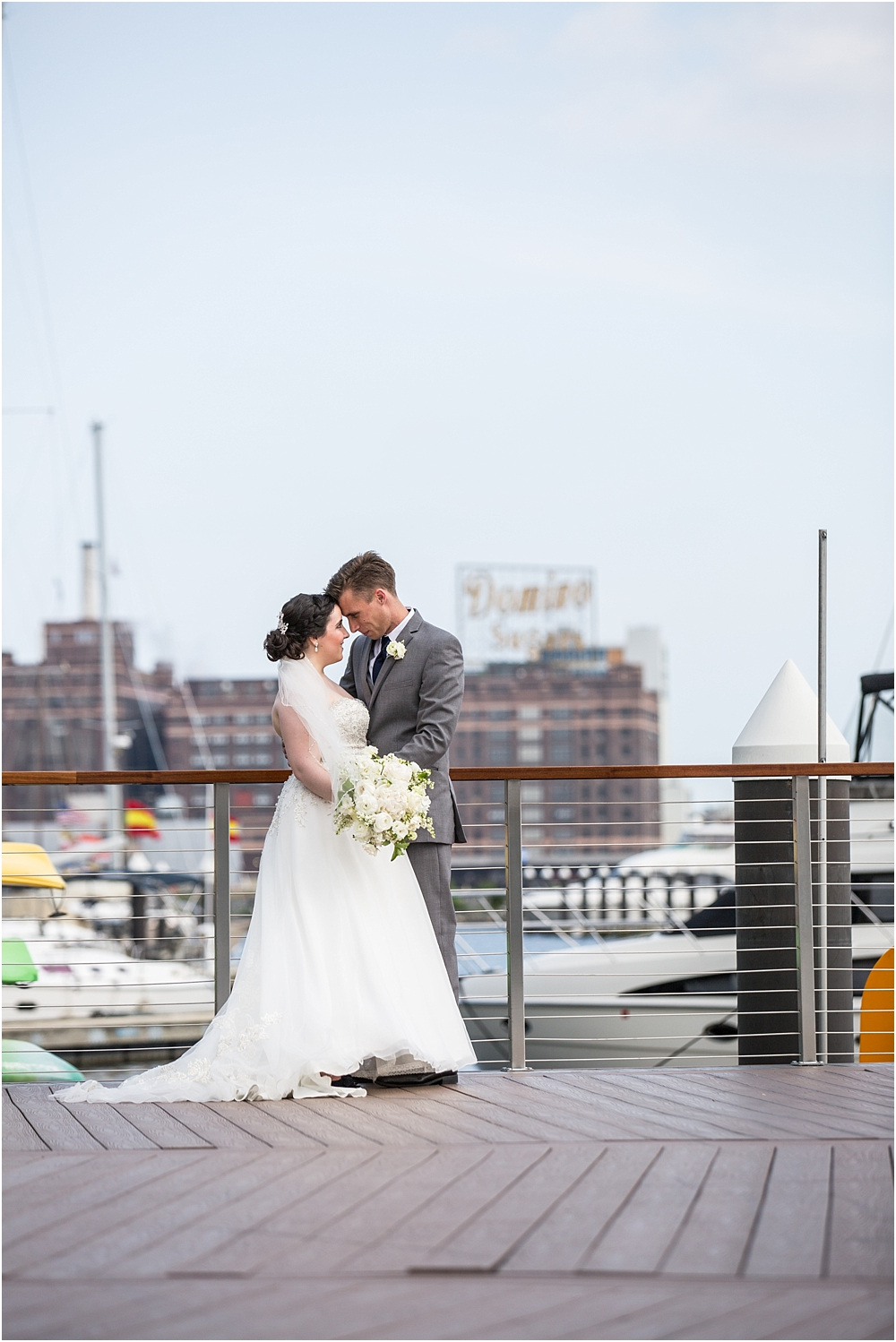 baltimore marriott waterfront wedding living radiant photograpy victoria clausen florals fiscus photos_0072.jpg