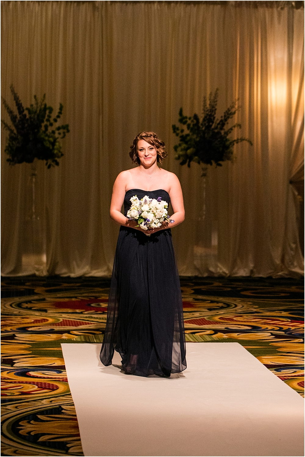 baltimore marriott waterfront wedding living radiant photograpy victoria clausen florals fiscus photos_0083.jpg