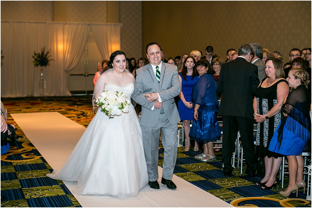 baltimore marriott waterfront wedding living radiant photograpy victoria clausen florals fiscus photos_0085.jpg