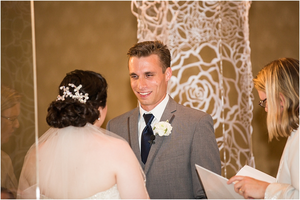 baltimore marriott waterfront wedding living radiant photograpy victoria clausen florals fiscus photos_0089.jpg