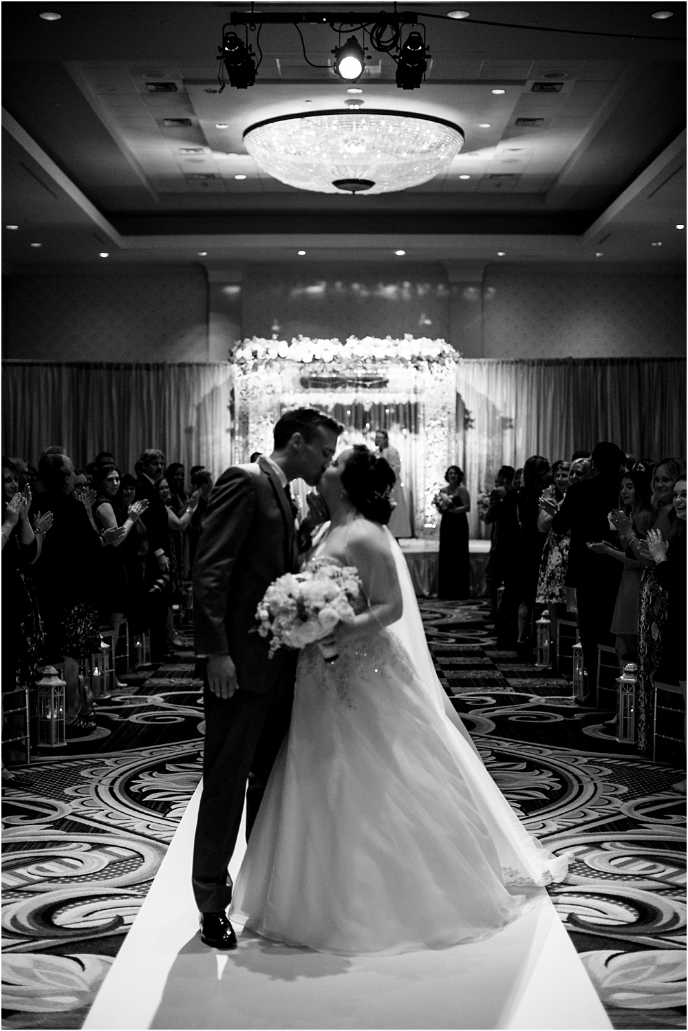 baltimore marriott waterfront wedding living radiant photograpy victoria clausen florals fiscus photos_0098.jpg
