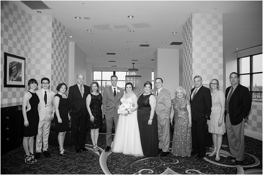 baltimore marriott waterfront wedding living radiant photograpy victoria clausen florals fiscus photos_0105.jpg