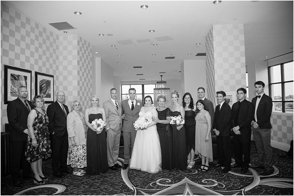 baltimore marriott waterfront wedding living radiant photograpy victoria clausen florals fiscus photos_0107.jpg