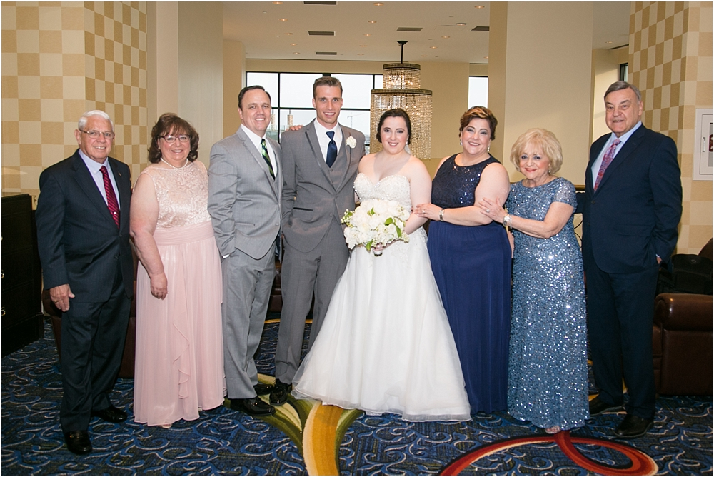 baltimore marriott waterfront wedding living radiant photograpy victoria clausen florals fiscus photos_0106.jpg