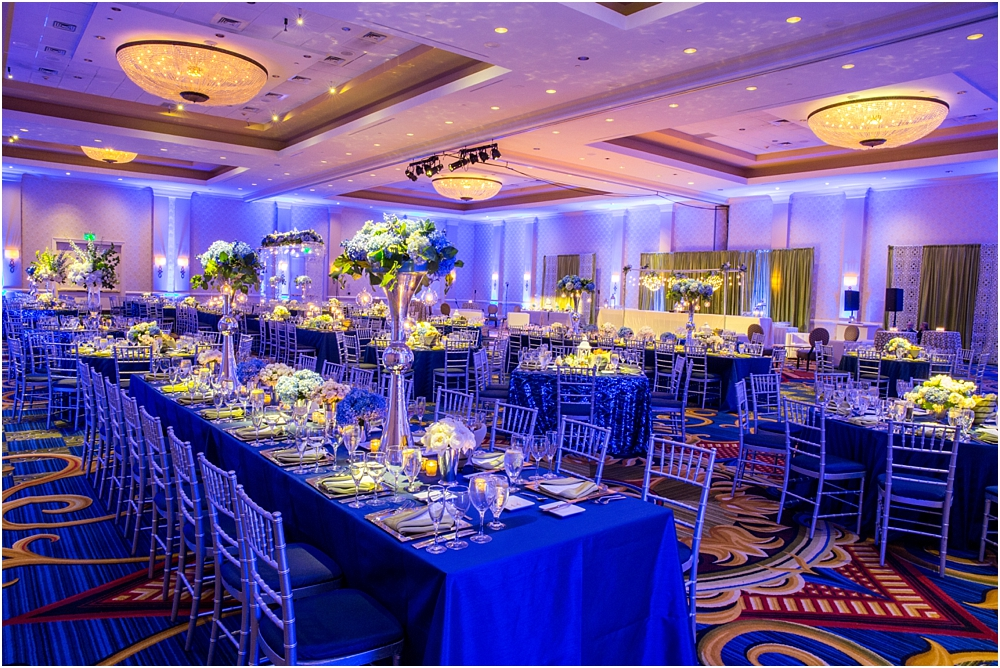 baltimore marriott waterfront wedding living radiant photograpy victoria clausen florals fiscus photos_0115.jpg