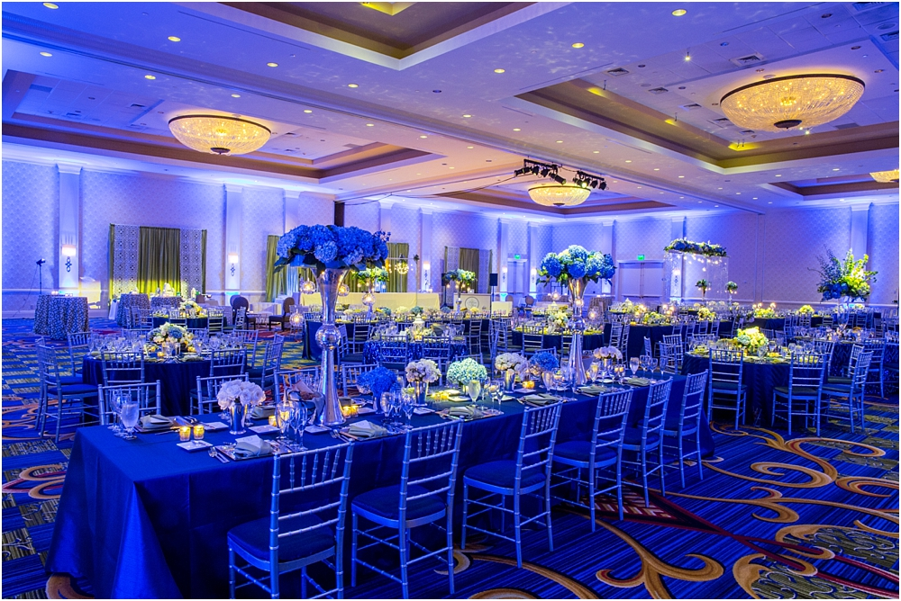 baltimore marriott waterfront wedding living radiant photograpy victoria clausen florals fiscus photos_0118.jpg