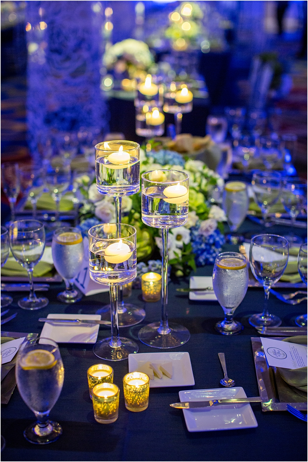 baltimore marriott waterfront wedding living radiant photograpy victoria clausen florals fiscus photos_0117.jpg