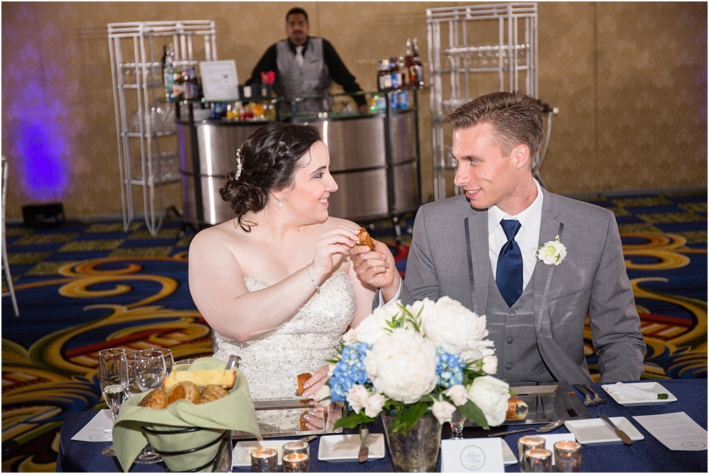 baltimore marriott waterfront wedding living radiant photograpy victoria clausen florals fiscus photos_0143.jpg