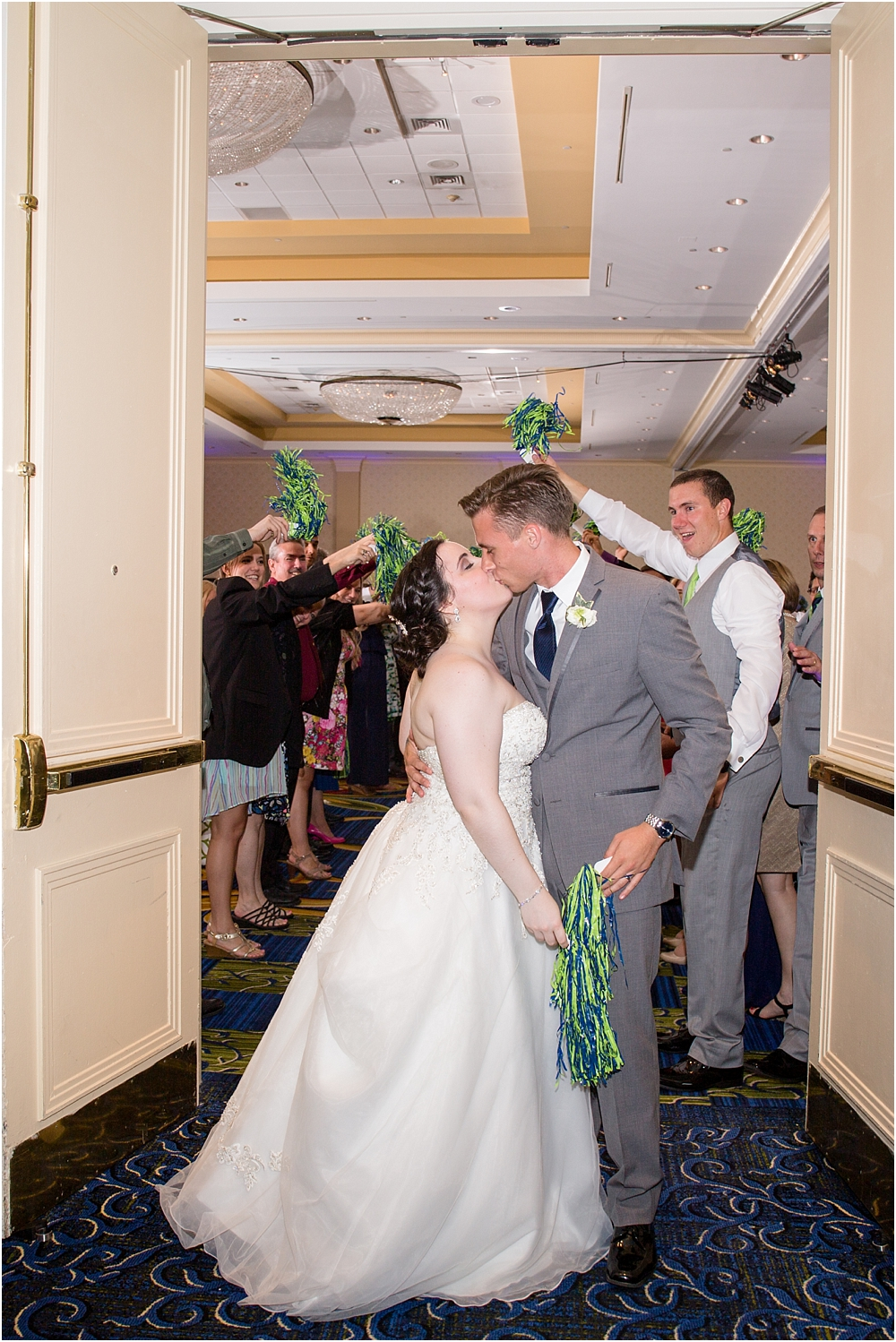 baltimore marriott waterfront wedding living radiant photograpy victoria clausen florals fiscus photos_0132.jpg