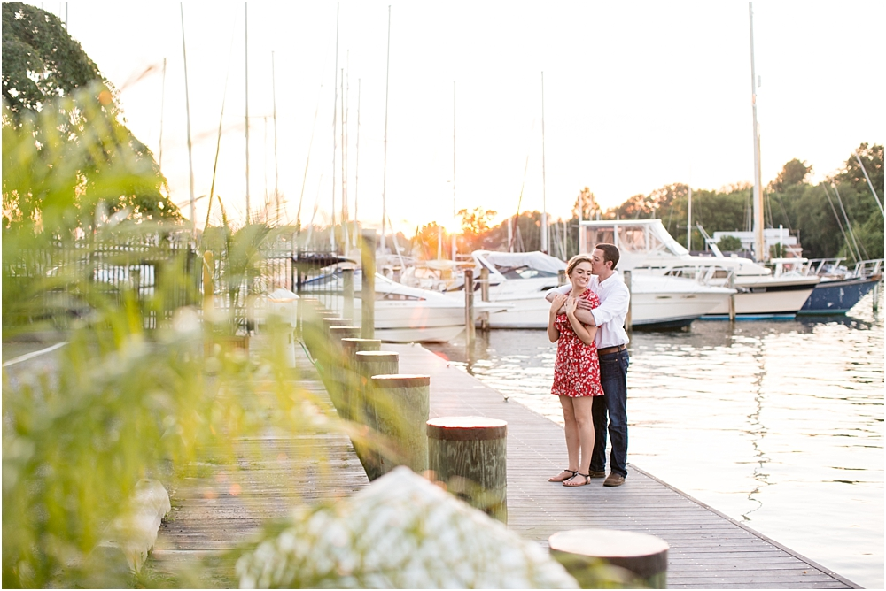 sarah alex annapolis waterfront engagement session living radiant photography photos_0019.jpg
