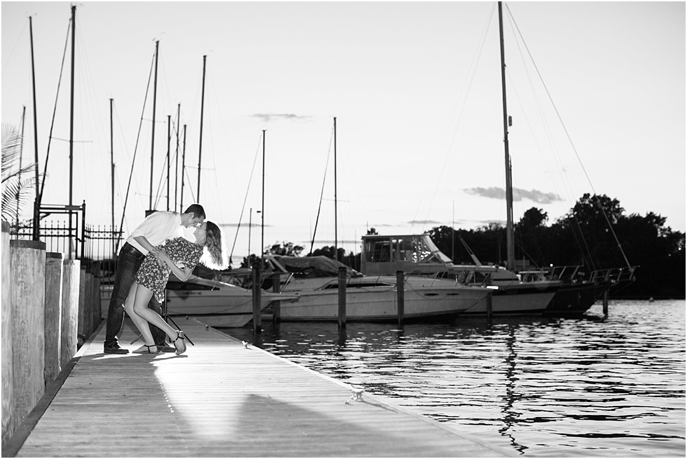 sarah alex annapolis waterfront engagement session living radiant photography photos_0027.jpg