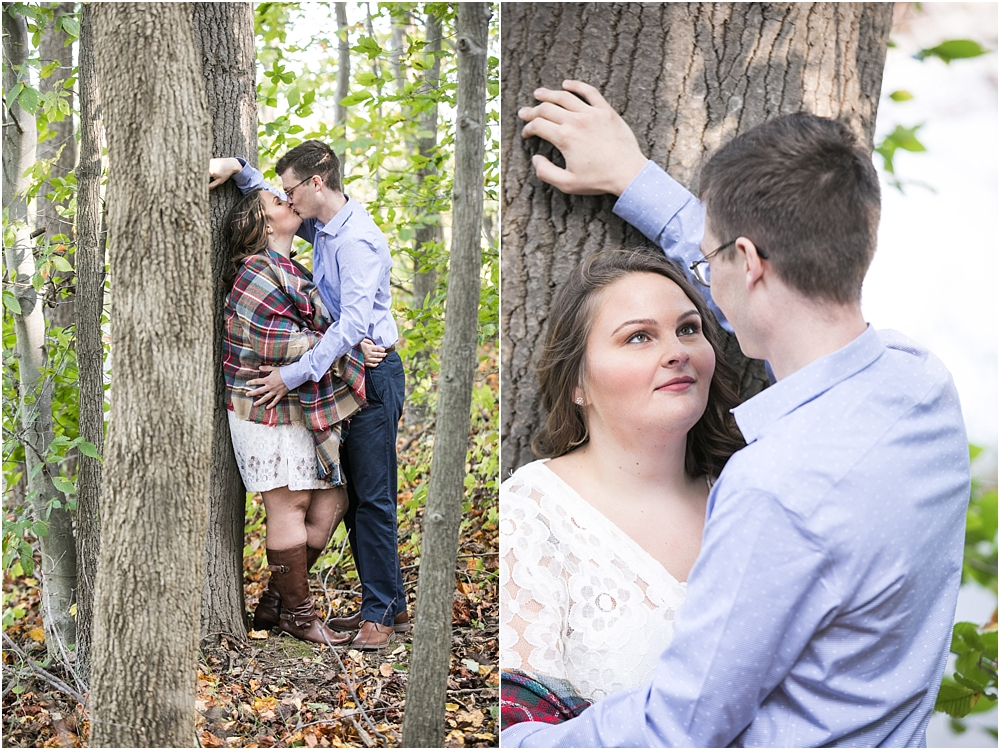 amanda rob centennial park engagement session living radiant photography photos_0008.jpg