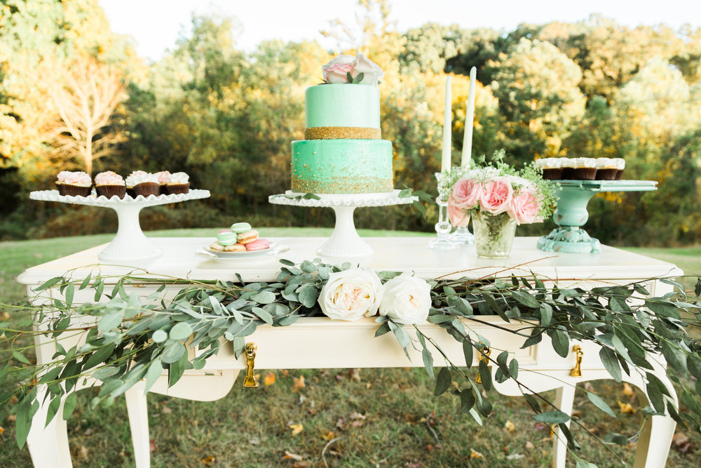 wedding dessert display - alicia wiley photography - Copy.jpg