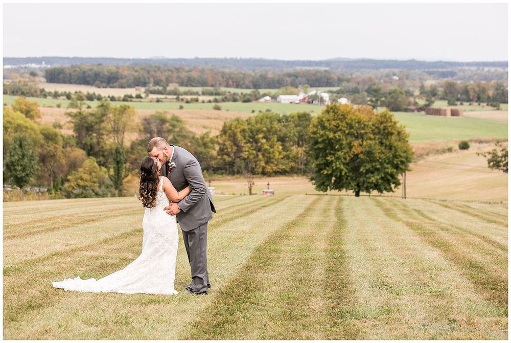 M+K Lodges at Gettysburg Wedding LivingRadiantPhotographyphotos_0013.jpg