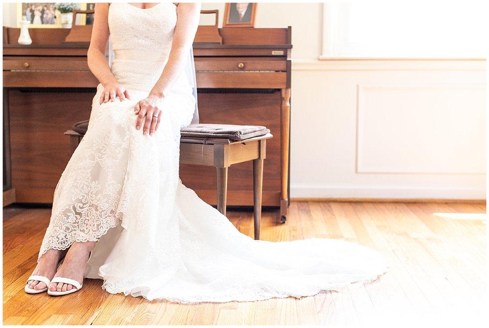 TracyPatrick-LoyolaCollege-PrestonHall-Wedding-LivingRadiantPhotography-photos_0008.jpg
