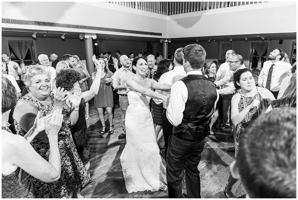 TracyPatrick-LoyolaCollege-PrestonHall-Wedding-LivingRadiantPhotography-photos_0128.jpg