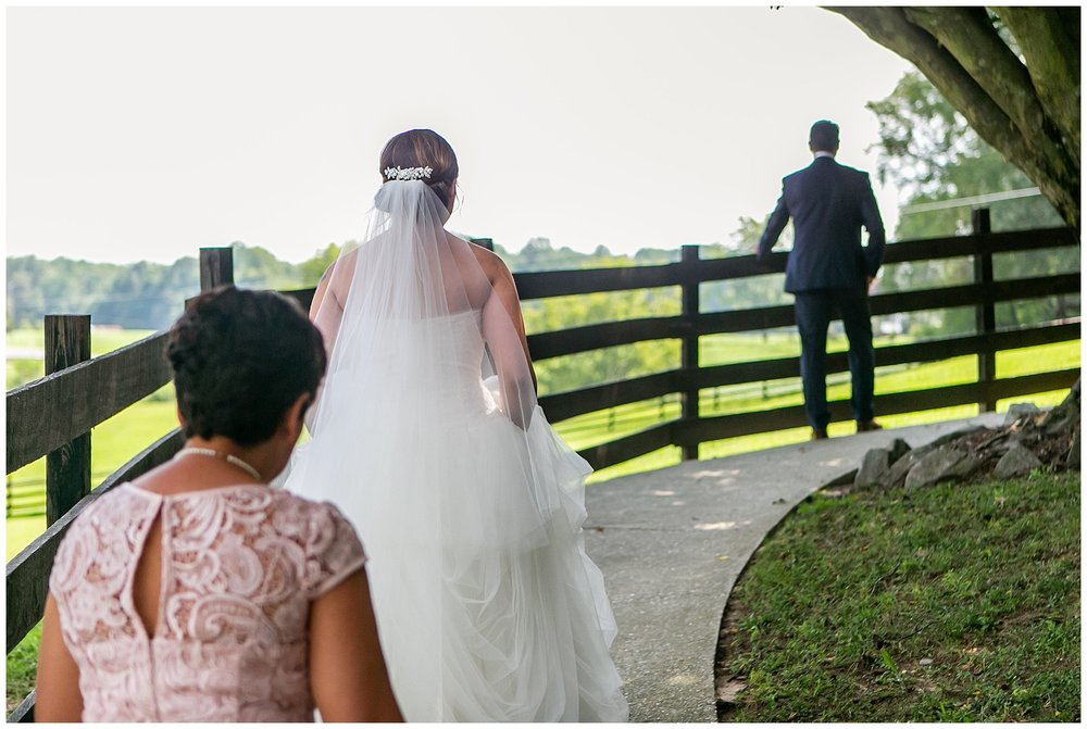 SarahJake-RobinHillWedding-LivingRadiantPhotography-photos_08.jpg