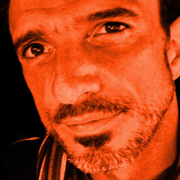 Portraits-Gabriel-06-Sqr.jpg