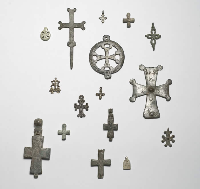 Crosses, Byzantine. Bronze and soapstone, heights 1–4 inches (2.5–10.2 cm). The Menil Collection, Houston. Photo: Paul Hester