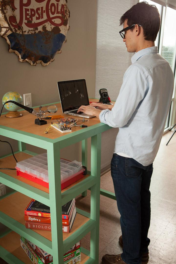 standing_desk.jpg
