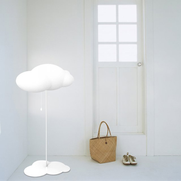 Beautiful lamp designed by   Zhao Liping .