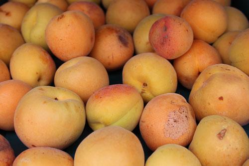 peaches-organic.jpg