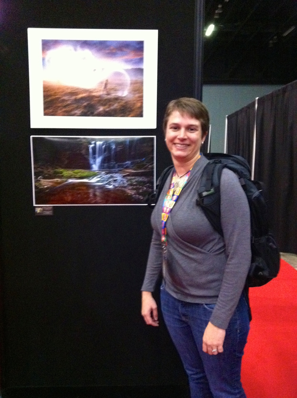 Standing in front of the winning photograph in the Expo Hall. You can't blame me for the blurry photo - I obviously didn't take it! But you get the idea.... ;-)