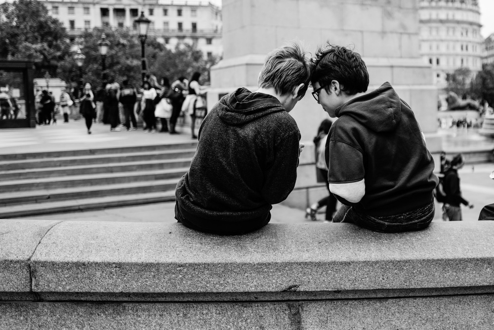 """Sharing a Secret"" - Leica Q at Trafalgar Square, London"