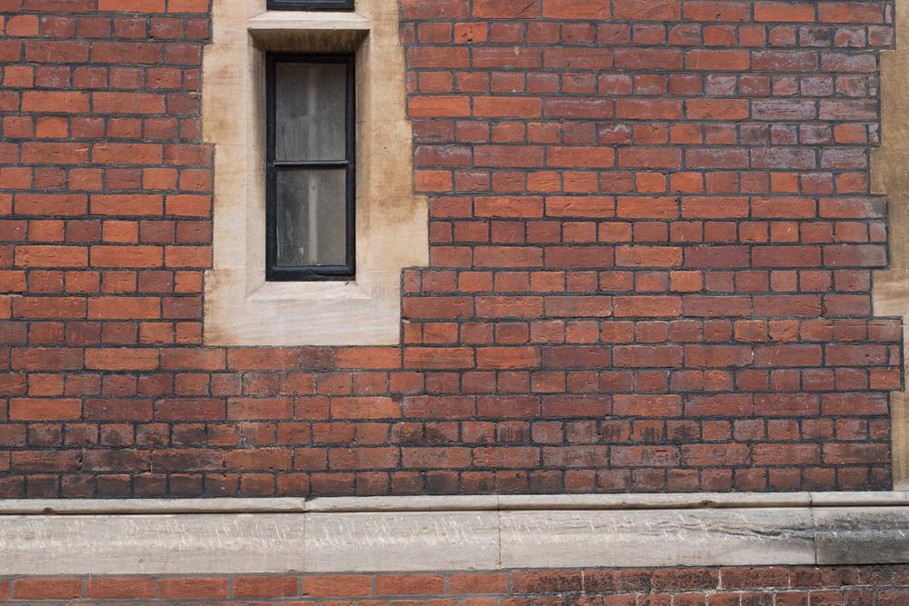 Window - Leica Q @ f/4 (50mm crop)