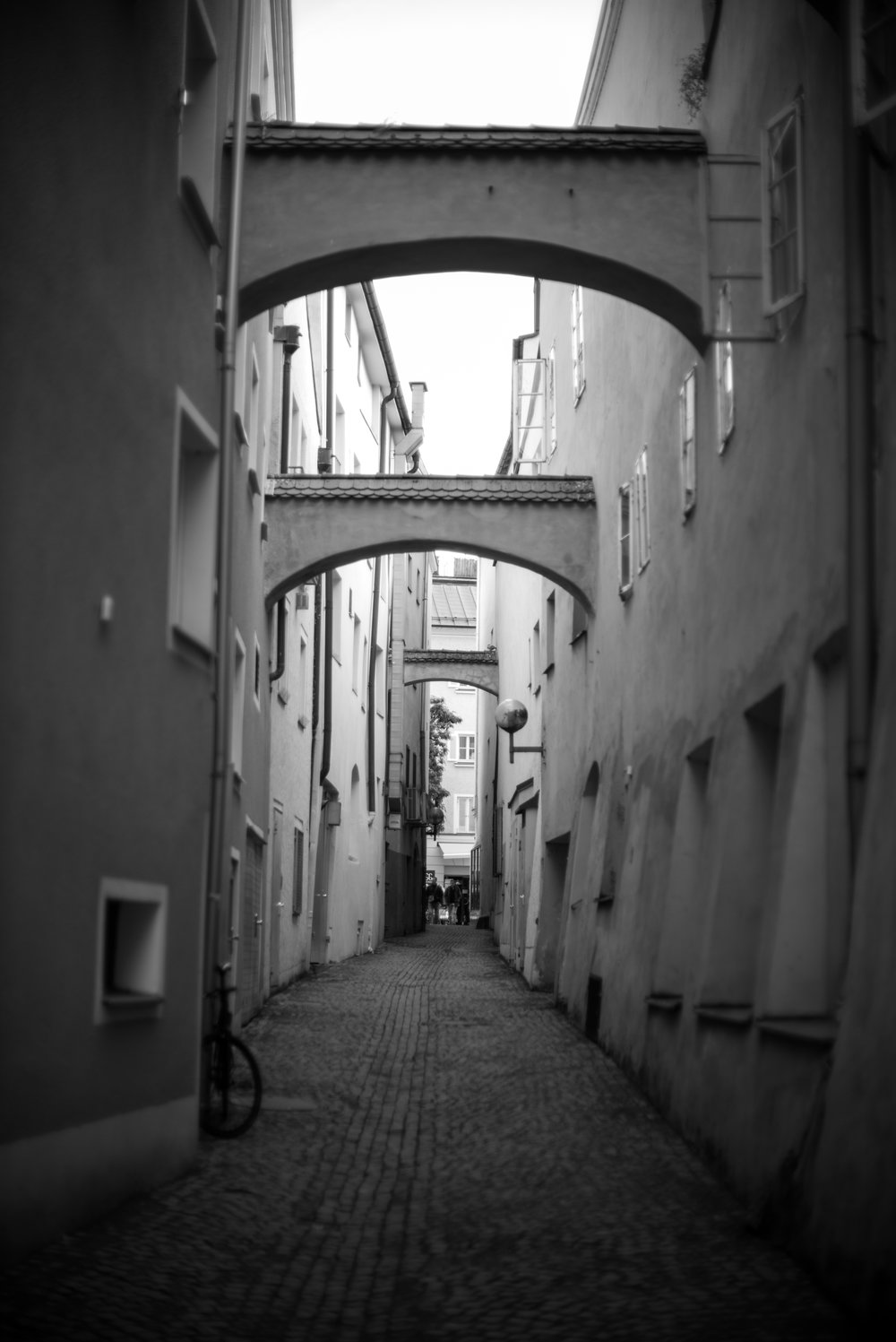 Triple arches on this side alley street in Germany