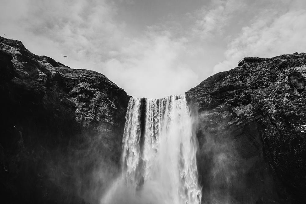 waterfall_blackandwhite.jpg